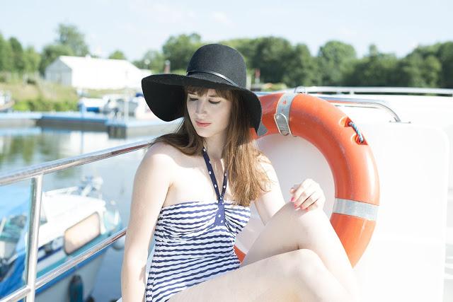 Modeblog-Deutschland-Deutsche-Mode-Mode-Influencer-Andrea-Funk-andysparkles-Badeanzug