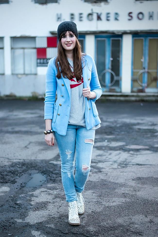 Modeblog-Deutschland-Deutsche-Mode-Mode-Influencer-Andrea-Funk-andysparkles-Berlin-Jeans-Denim-Blazer-Coca-Cola-Shirt
