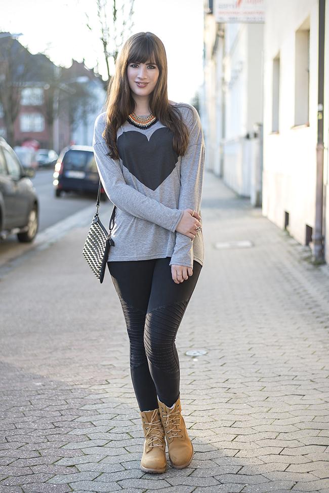 Modeblog-Deutschland-Deutsche-Mode-Mode-Influencer-Andrea-Funk-andysparkles-Berlin-Leggings-Timberland-Boots