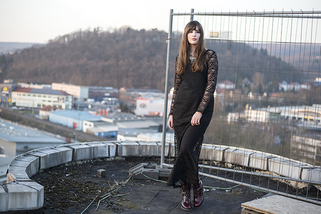 Modeblog-Deutschland-Deutsche-Mode-Mode-Influencer-Andrea-Funk-andysparkles-Berlin-Poppy-Lux-Maxikleid-Silo-Saarbruecken