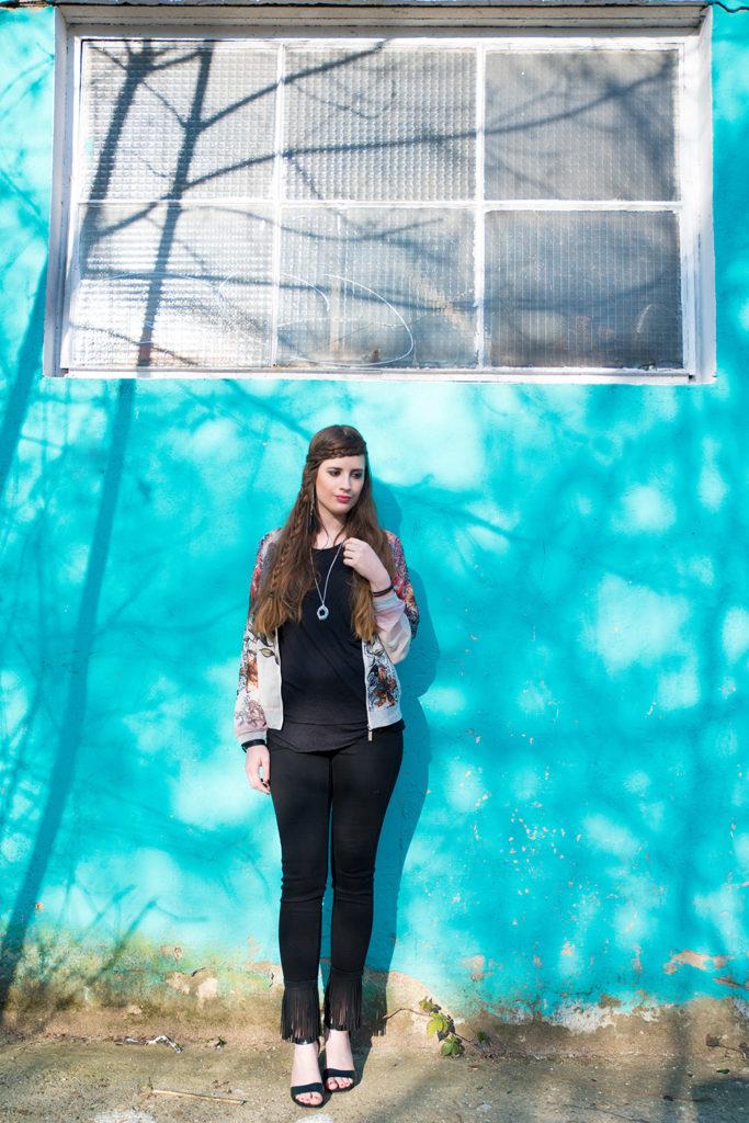 Modeblog-Deutschland-Deutsche-Mode-Mode-Influencer-Andrea-Funk-andysparkles-Berlin-Fransenjeans-Sommer-Outfit