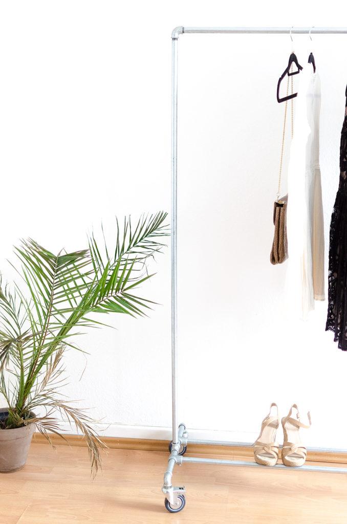 vintage kleiderst nder diy oder kaufen. Black Bedroom Furniture Sets. Home Design Ideas