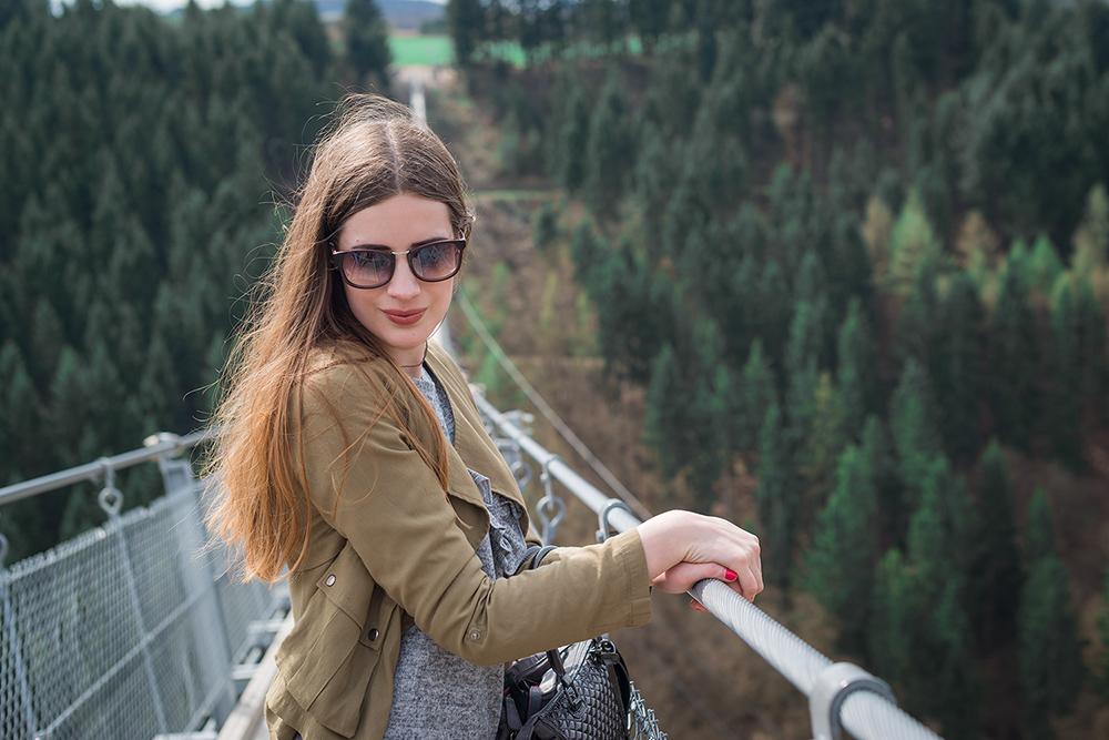 Modeblog-Deutschland-Deutsche-Mode-Mode-Influencer-Andrea-Funk-andysparkles-Berlin-Ripped-Denim-Geierlay