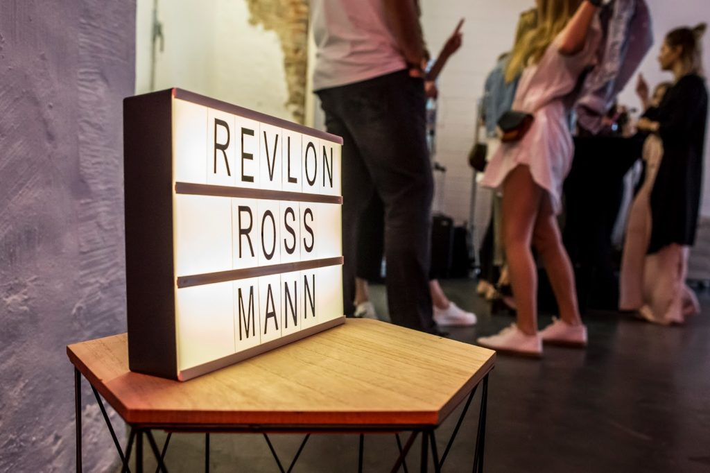 Beautyblog-Deutschland-Revlon-neu-bei-Rossmann-Influencer-Andrea-Funk-andysparkles-Berlin
