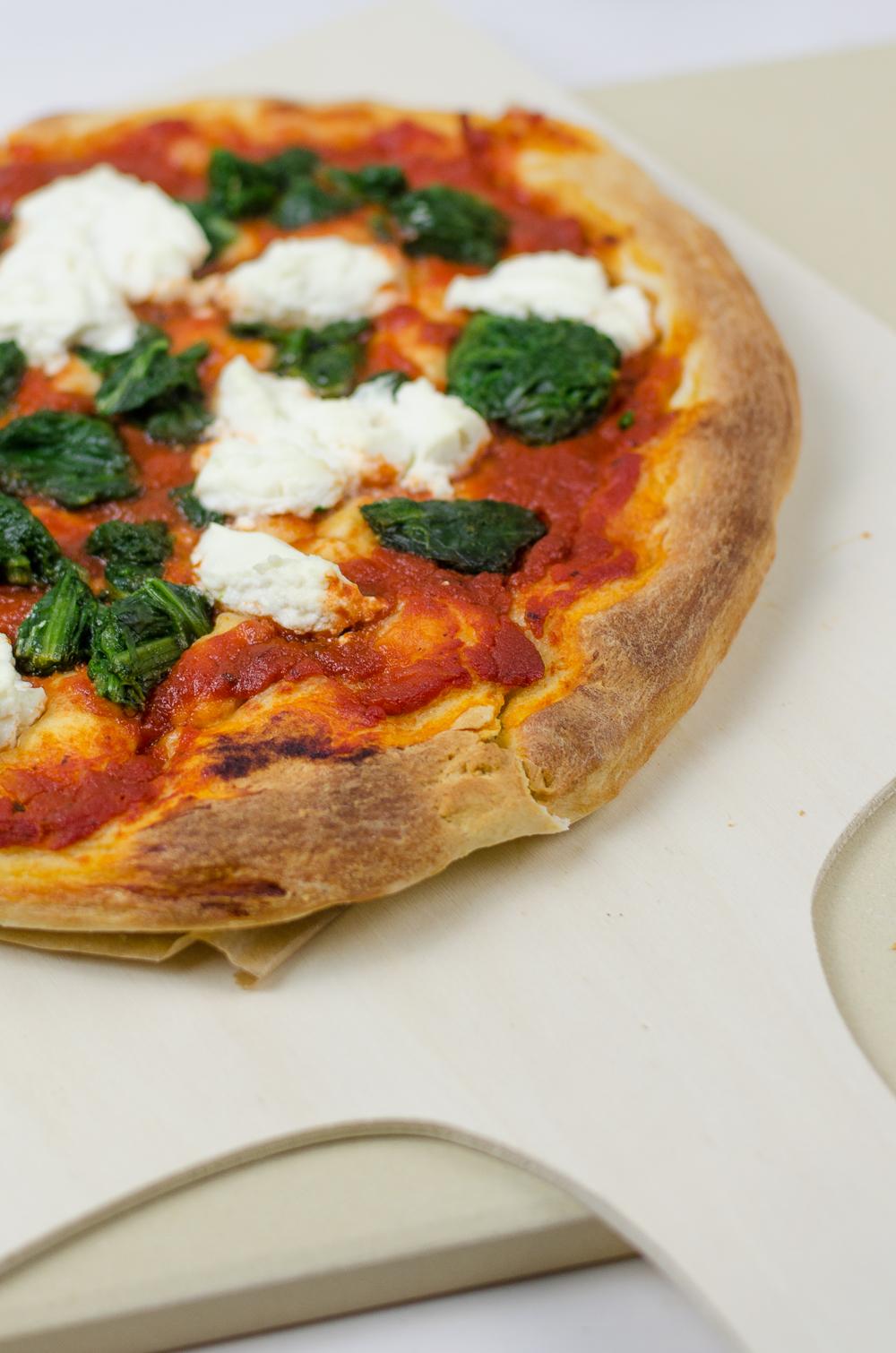 Rezept Veggie Pizza Spinat Und Ricotta Mit Pizzastein Andysparklesde