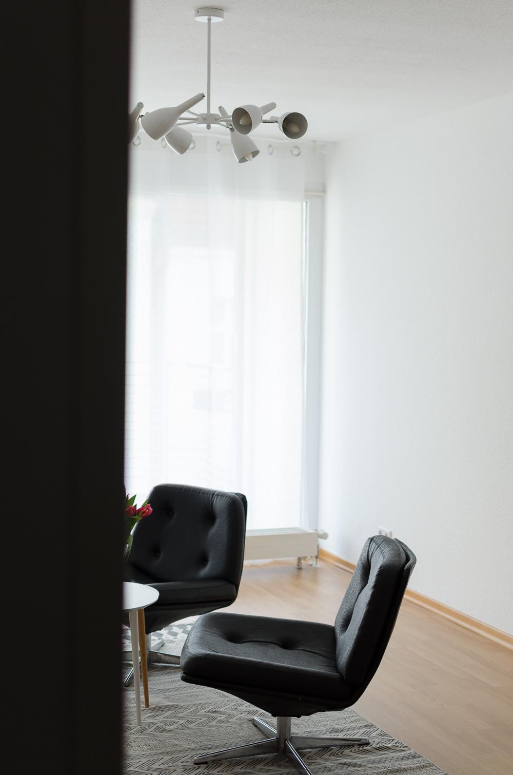interior update meine moderne wohnzimmerlampe von regenbogen leuchten. Black Bedroom Furniture Sets. Home Design Ideas
