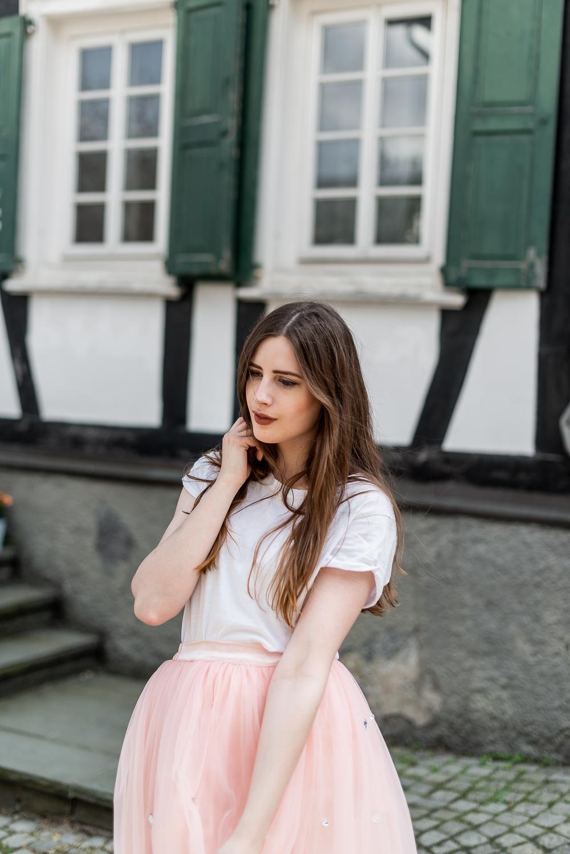 Bist du unsicher mit deinem Styling-Tüllrock mit Sneaker-Modeblog Berlin-Fashionblogger Styling-andysparkles