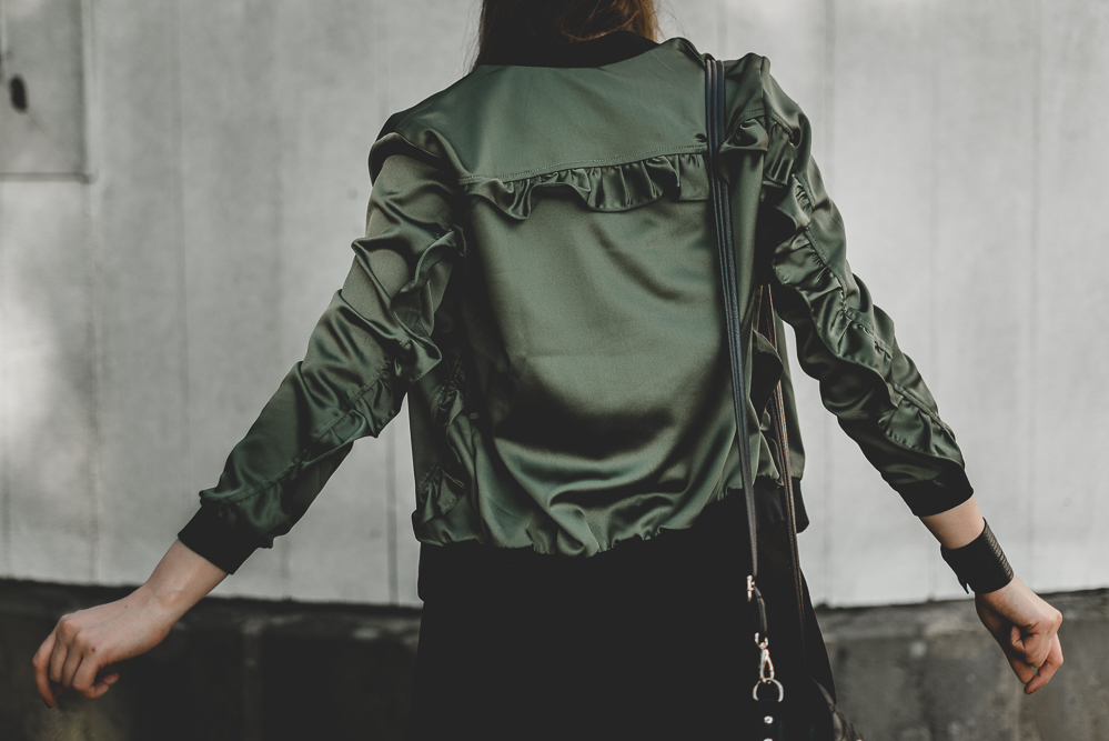 Leder Baskenmütze-Outfit mit Bomberjacke-Converse Outfit-Modeblog Berlin-Pfaueninsel Berlin-andysparkles