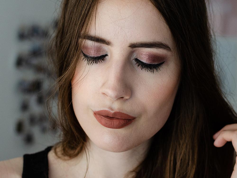 Matte Lippen-Lip Kit von Make-Up Revolution-Flawless Make-Up Revolution-Nudefarbene Lippen Make-Up-Beautyblog-andysparkles