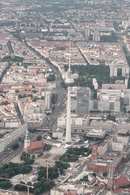 Hubschrauberflug über Berlin-Berlin Skyline-Berlin von oben-mydays Erlebnis-Reiseblogger-Berlinblog-andysparkles