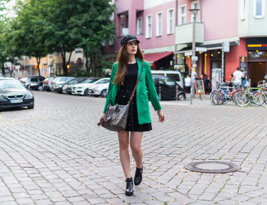 Statement Farben kombinieren-Baker Boy Mütze-Cut-Out Boots-Modeblog Berlin-Fashion Look-andysparkles