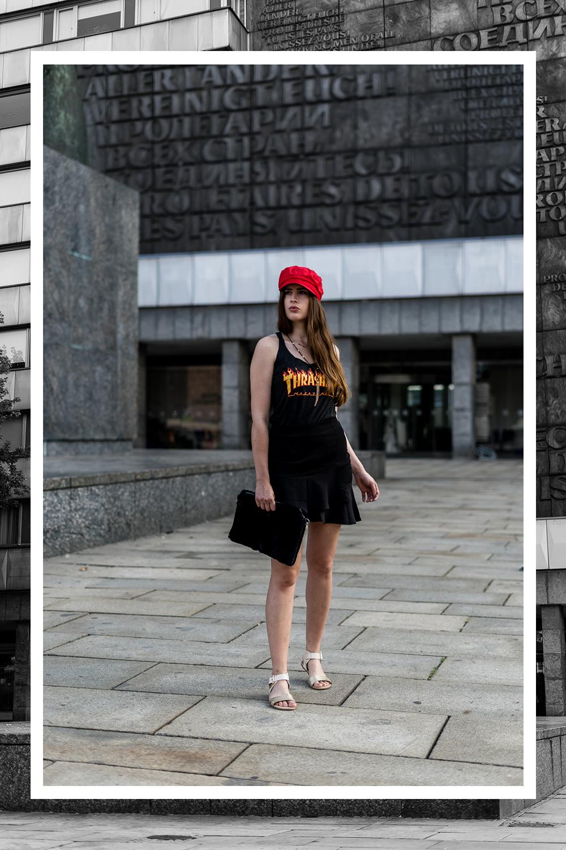 Thrasher Shirts kombinieren-Skater Shirt-Modeblog Berlin-Outfit mit Skater Rock-andysparkles