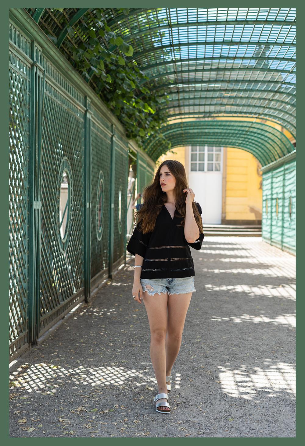 Urlaubslook auf Balkonien-Denim Shorts-Modeblog Berlin-andysparkles