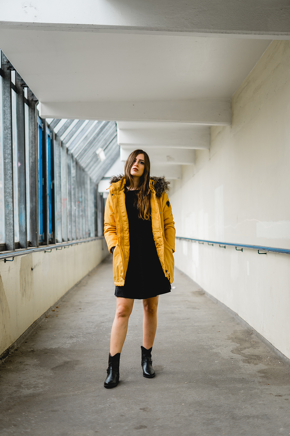 Outfit mit Parka kombinieren-Parka in Gelb-Wintermode Outfit 2018-Modeblog Berlin-Fashionblogger im Winter-andysparkles