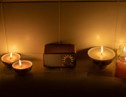 Wellness im eigenen Badezimmer-Pflegerituale Badewanne-Sangean Genuine Mini-Radio im Retro Look-Lifestyleblog-andysparkles