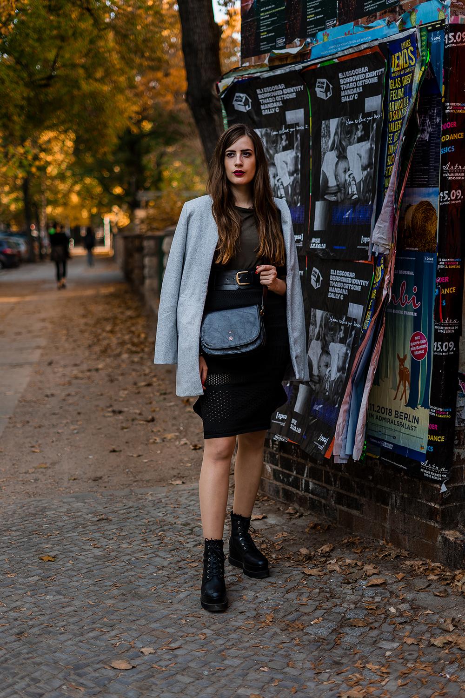 Herbstlook mit Mantel-Plateau Boots kombinieren-Berlin Friedrichshain-Modeblog Berlin-andysparkles