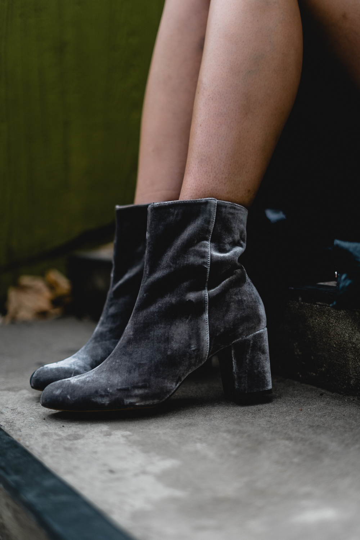 Lingerie Trend im Alltag-Modeblog Berlin-Midi Rock kombinieren-Spitzen BH kombinieren-Fashionblogger-Neukölln Berlin-andysparkles
