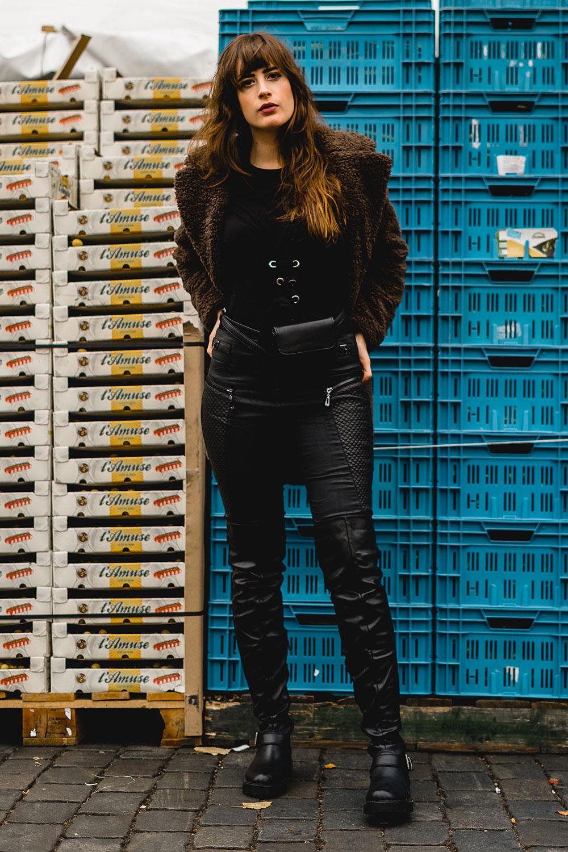 Winteroutfit mit Overknee Stiefeln-Overknees kombinieren-Lederhose Winteroutfit-Modeblog Berlin-andysparkles