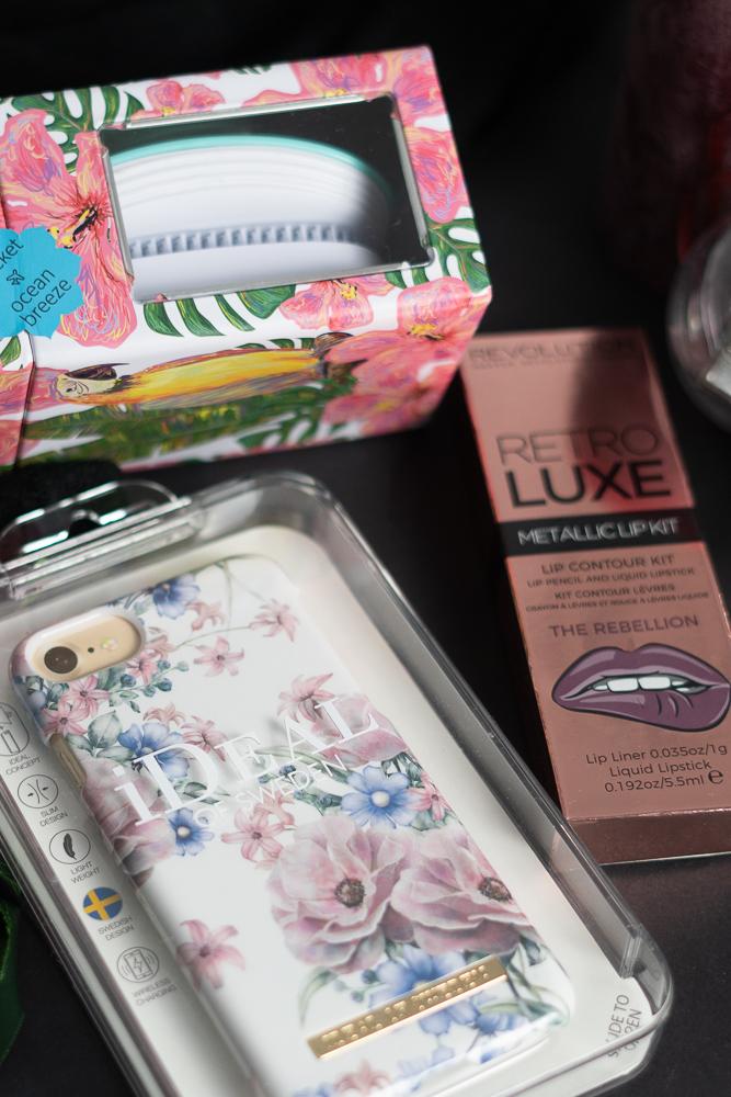 Beauty Nikolaus Gewinnspiel-Beauty Gewinnspiel-BIO VEGANE-Helene Fischer Parfum-IKOO Brush-andysparkles
