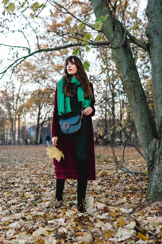 So findest du eine günstige IT Bag - Designer Handtasche oder IT Bag - Liebeskind Berlin Handtasche - Saddlebag Outfit - Modeblog Berlin - andysparkles