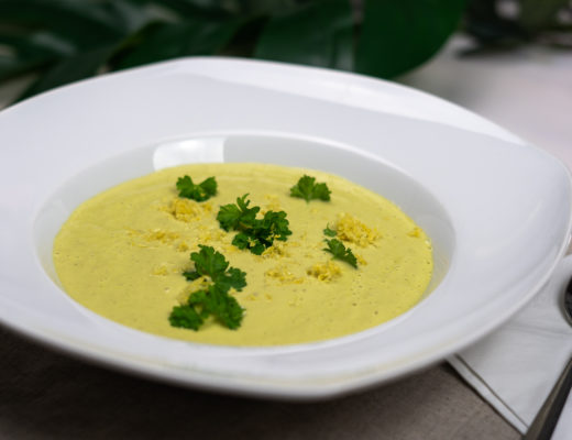 Avocado Gazpacho-vegetarische Gemüse Rezepte-Rezept mit Avocado-kalte Gemüsesuppe-Foodblog vegetarisch-andysparkles