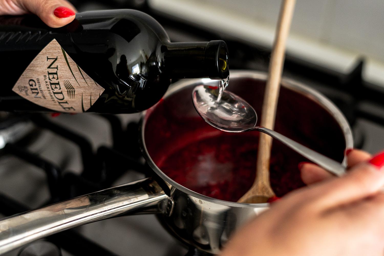 Mascarpone-Himbeer-Gin Dessert mit Needle Gin - Foodblog - Kochen mit Gin - andysparkles