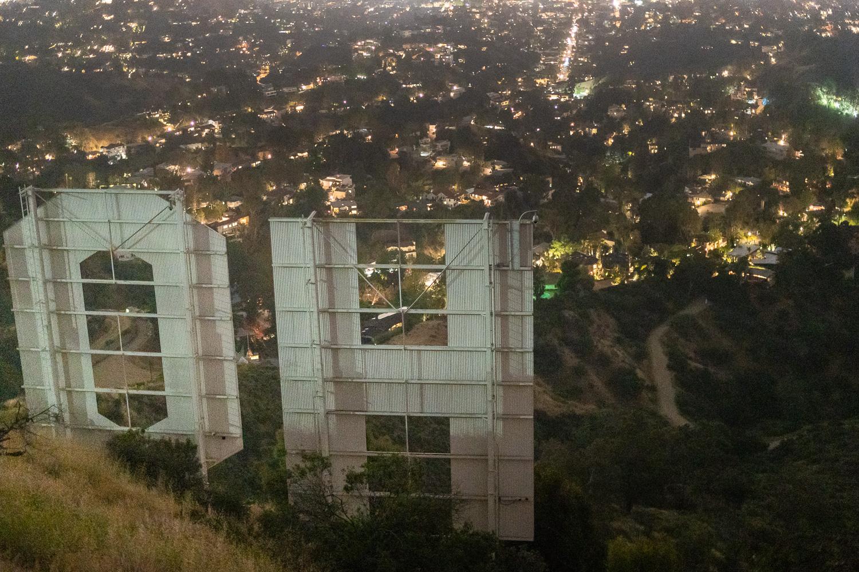 hinter dem Hollywood Zeichen