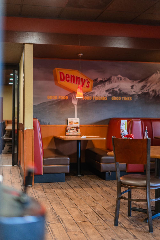 Dennys Diner