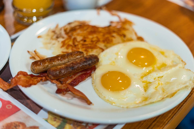 Frühstück bei Dennys Diner