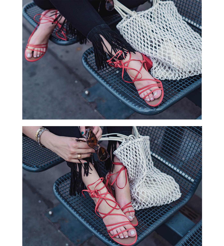 rote Riemen Sandaletten