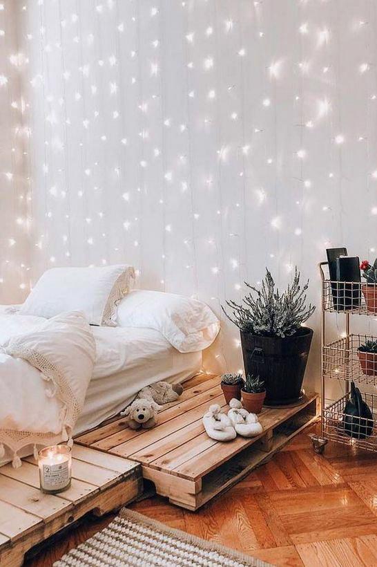 weihnachtliche Deko im Schlafzimmer