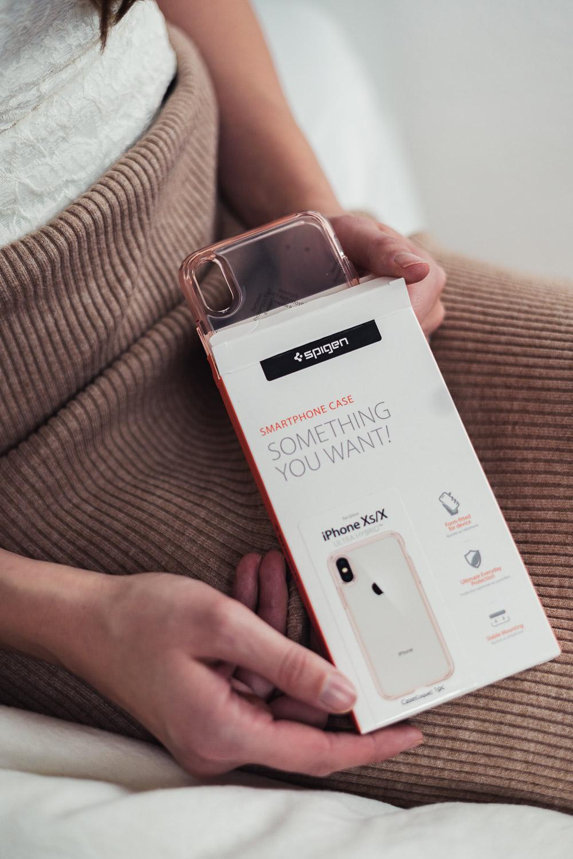 Spigen Ultra Hybrid™ Case Roségold für das iPhone Xs / X