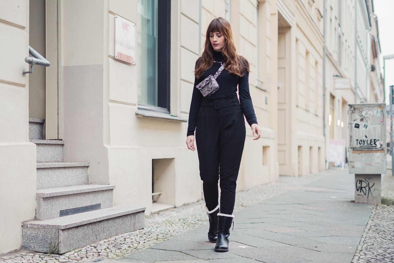 Schwarze Outfits aufpeppen
