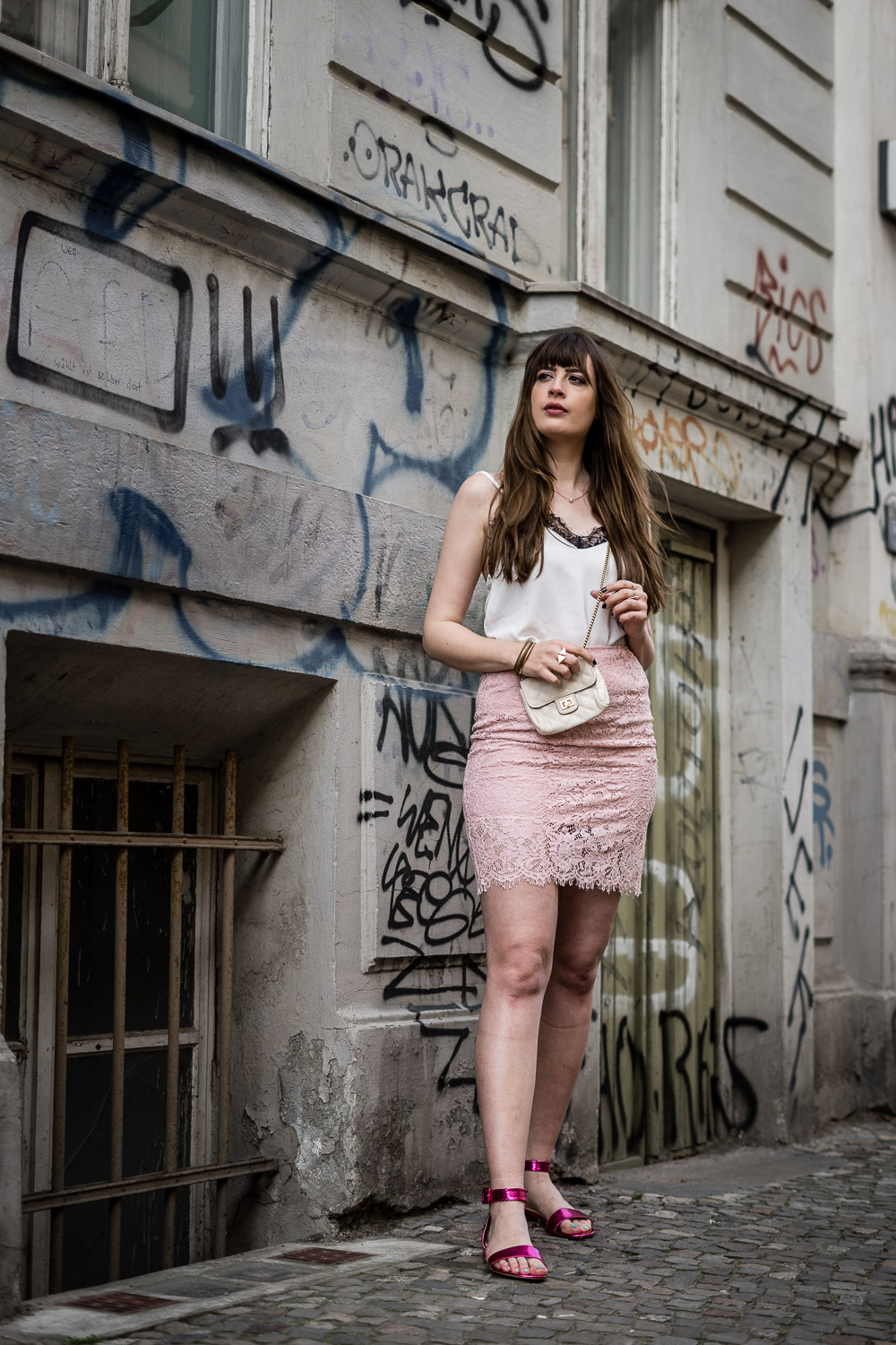 Outfit mit rosa Rock