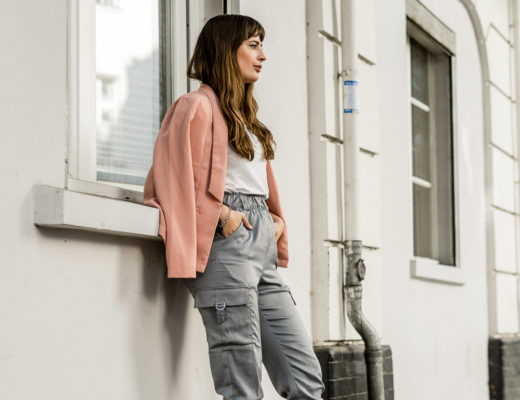 Outfit mit rosa Blazer