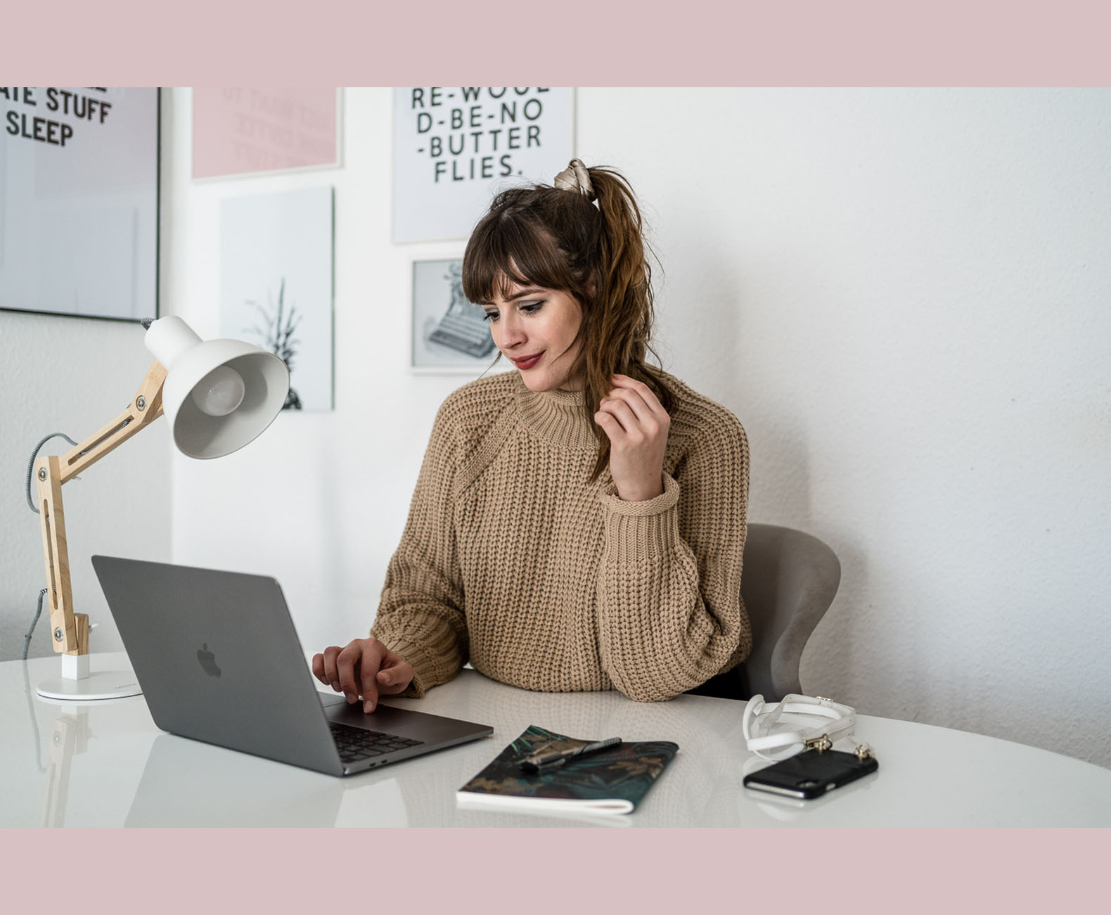 Blogger am Laptop