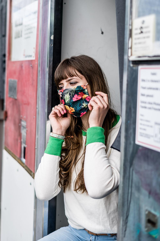 Portrait mit Gesichtsmaske